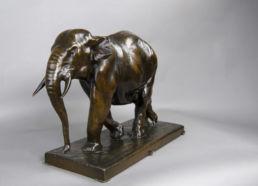 Éléphant en bronze daté et signé Jean Gaspar.