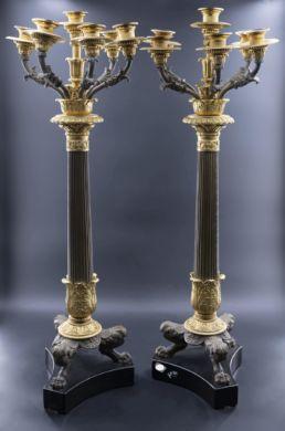 Paire de candélabres en bronze patiné et doré. Parfait état, XIXe siècle.