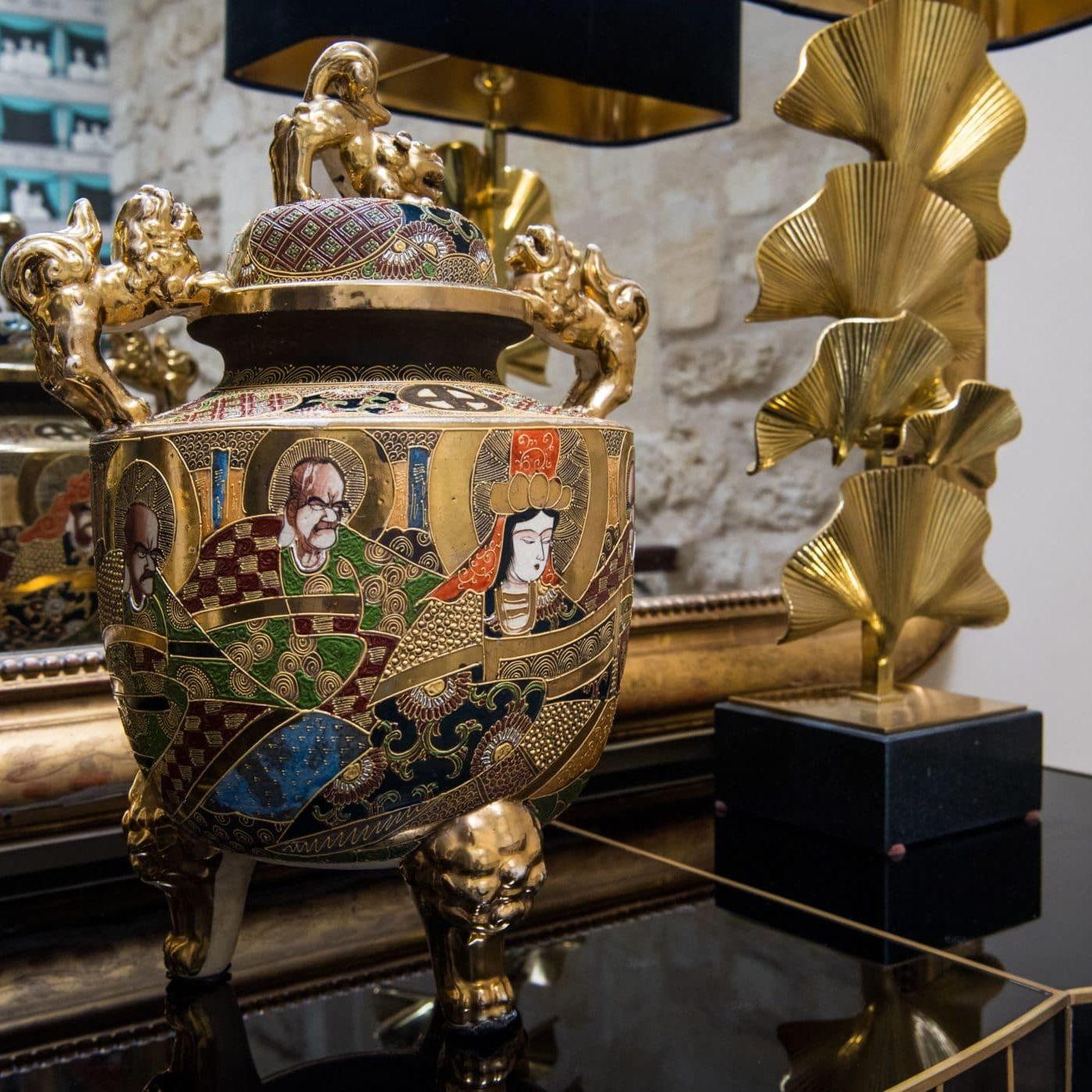 Vase couvert en céramique Satsuma. Japon, XIXe siècle