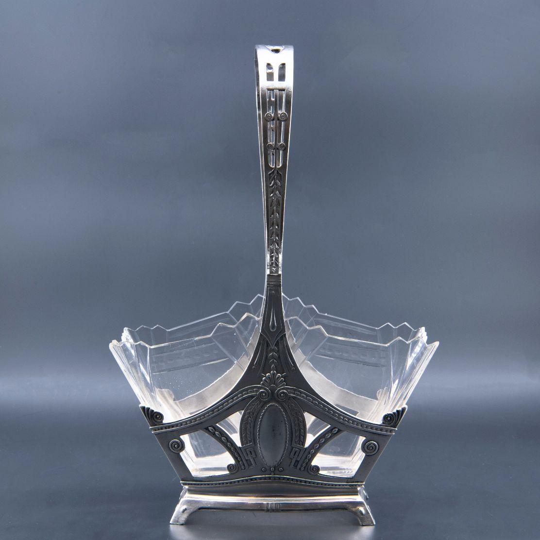 Vide-poche en argent et cristal, XIXe siècle.