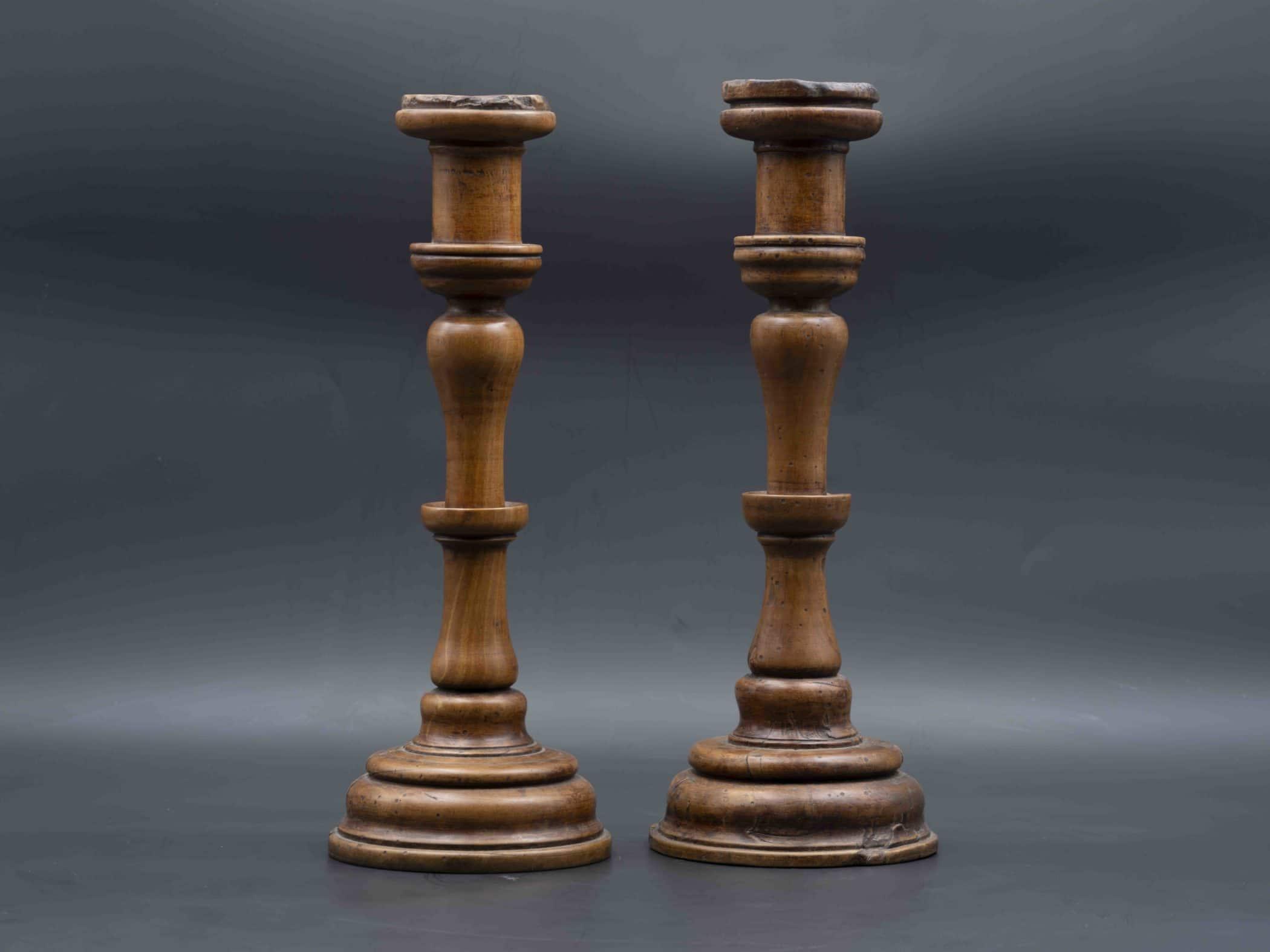 Bougeoirs rustiques en bois, XXe siècle
