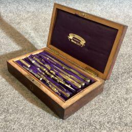 Boîte de compas de la marque S.G.D.G