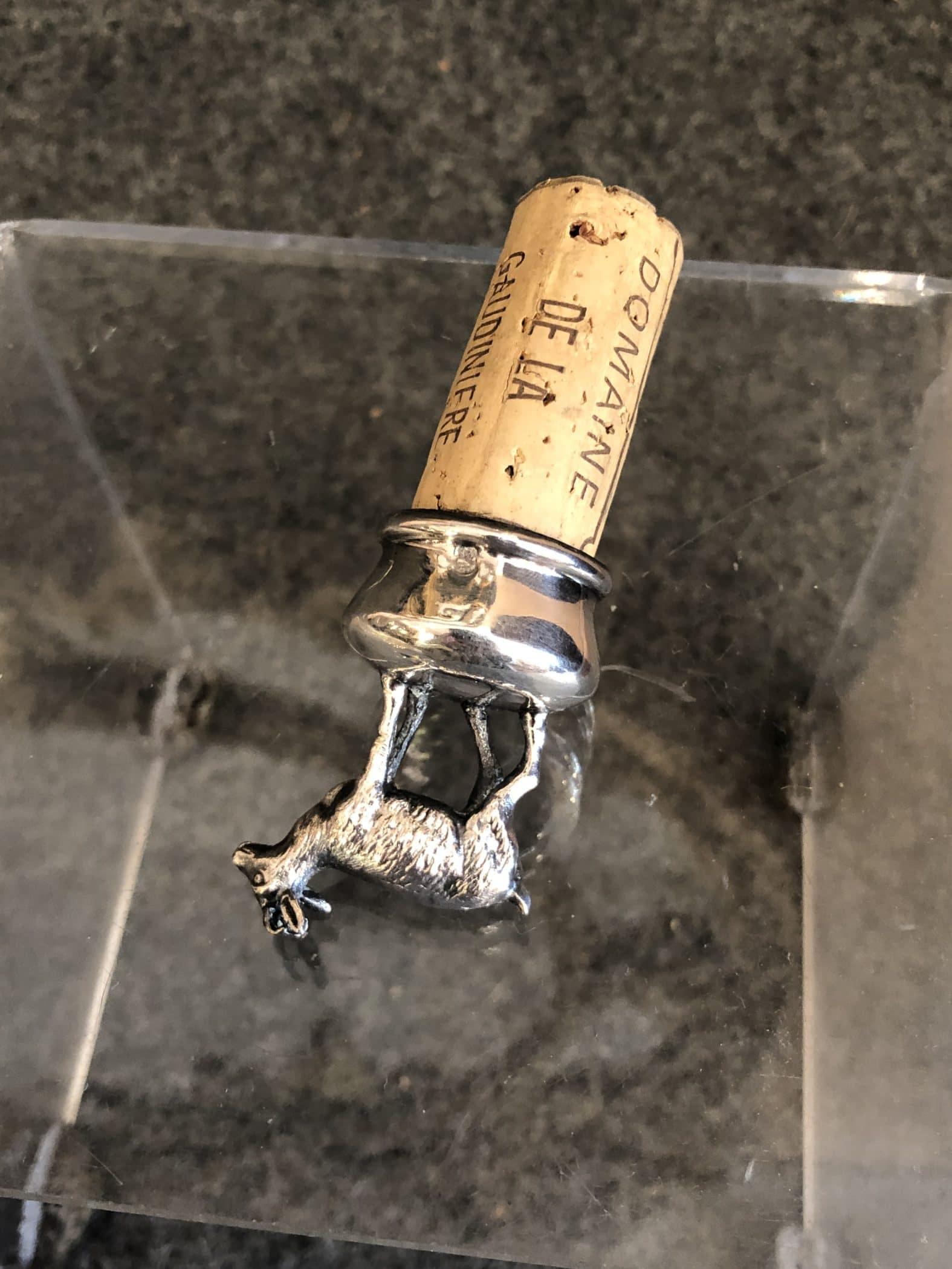 Bouchon de bouteille orné en argent massif, XIXe siècle