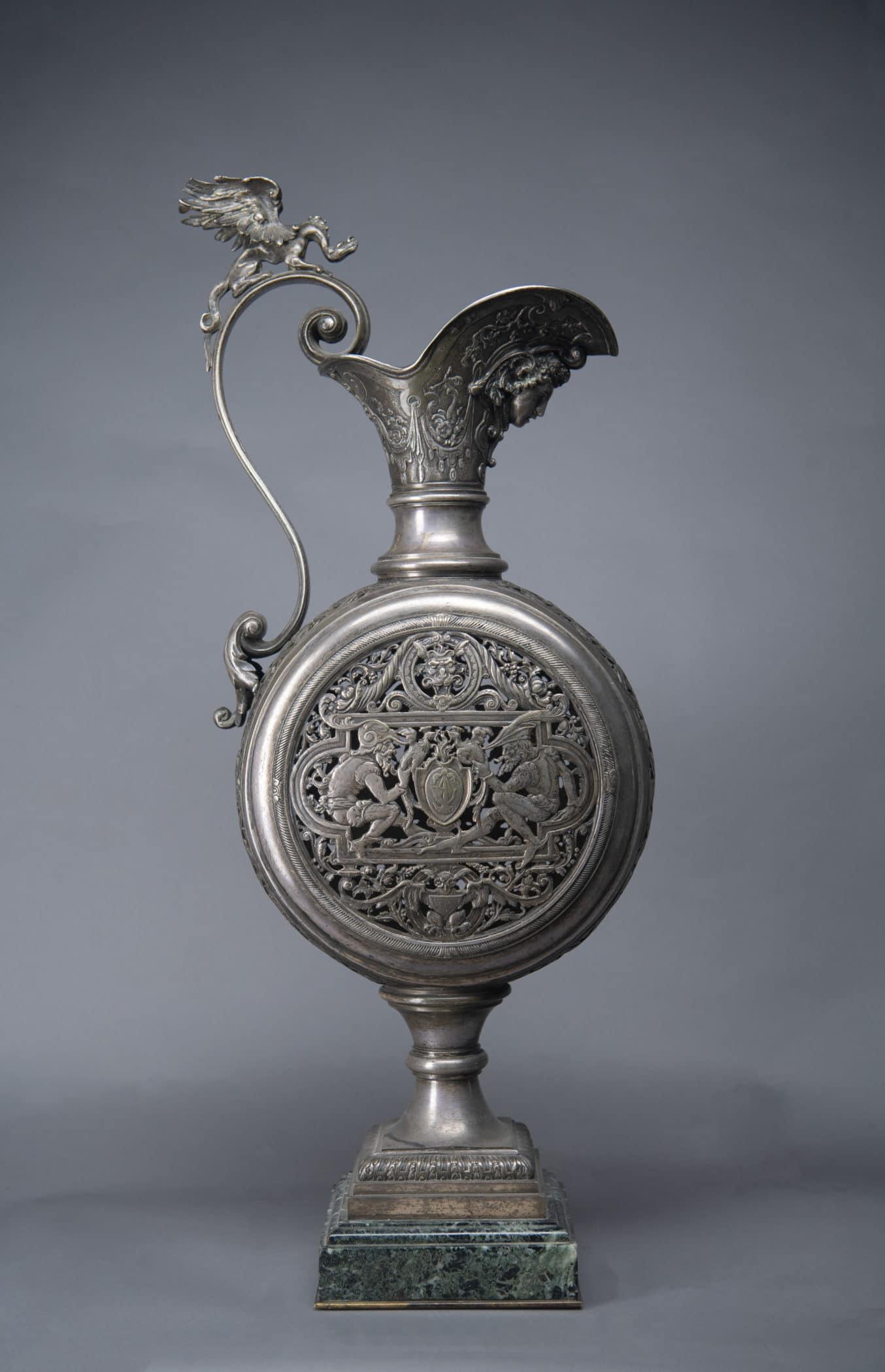Grande aiguière en bronze, XIXe siècle