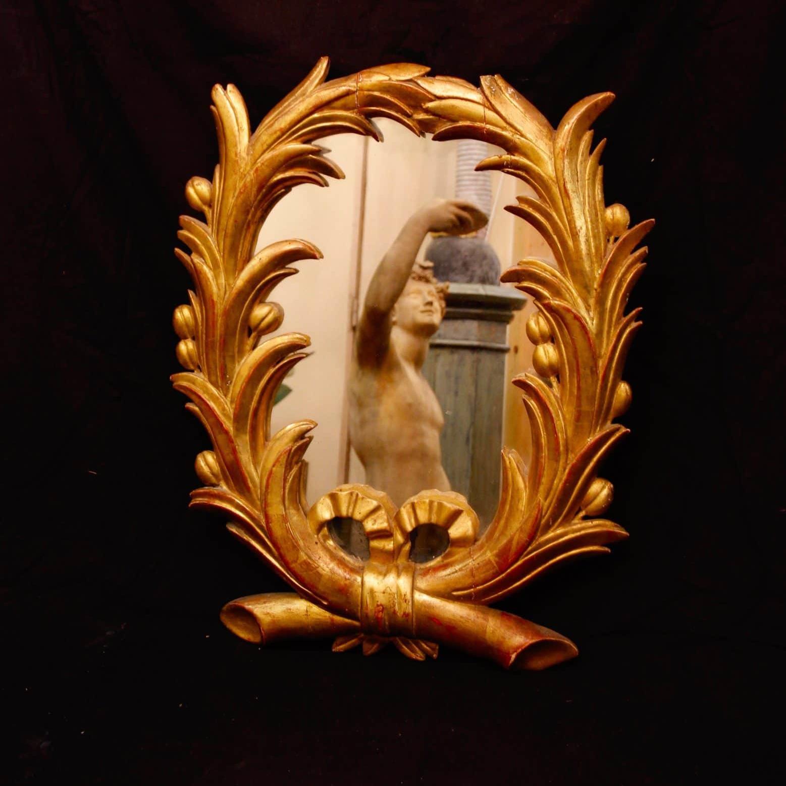 Miroir néoclassique en bois doré, XIXe siècle